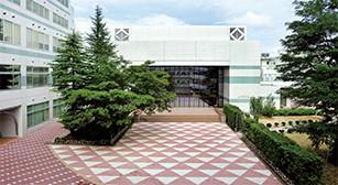 建学記念講堂