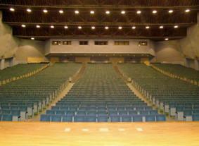建学記念講堂 大ホール1800 席