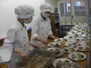 校外実習 小学校 マナー給食