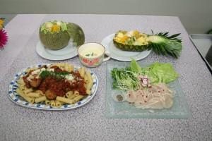 この4品を作りました。 茄子とミートソースリガトーニ、コーンスープ、帆立のカルパッチョ、メロンのフルーツポンチ