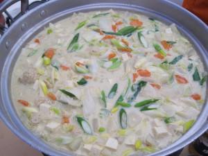 完成! 『~季節まるごと郡山~ カレー豆乳鍋』です。