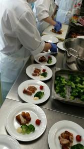 食堂準備270515