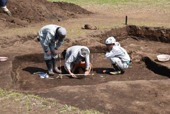 竪穴住居発掘
