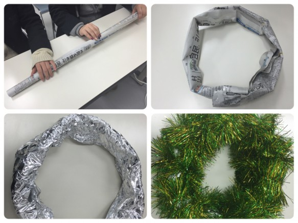①新聞紙3枚ほど重ねて筒状にしてセロハンテープでとめます②輪になるようにしてセロハンテープでとめます③その輪にアルミホイルをまきつけます④飾り用のモールをまきつけます