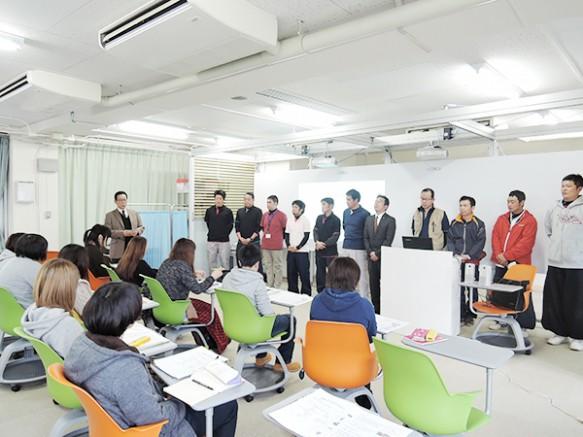 福島県瓦工事組合連合会青年部11名の瓦職人が集結
