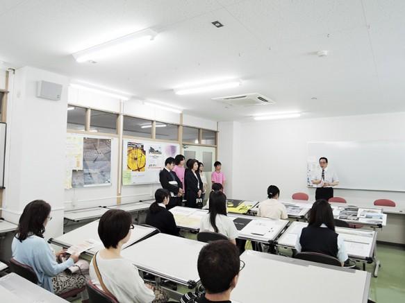 建築デザインコースのOC開催!最初はNo.1製図室でコース紹介