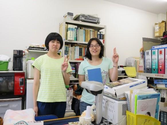 諸岡研究室での吉田さんと束原さんです。