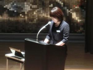 佐藤春奈さん(本学人間生活学科卒業)の講演