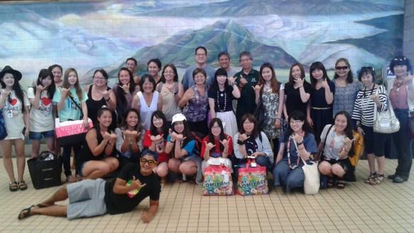 ハワイ大学での語学研修のグループです。